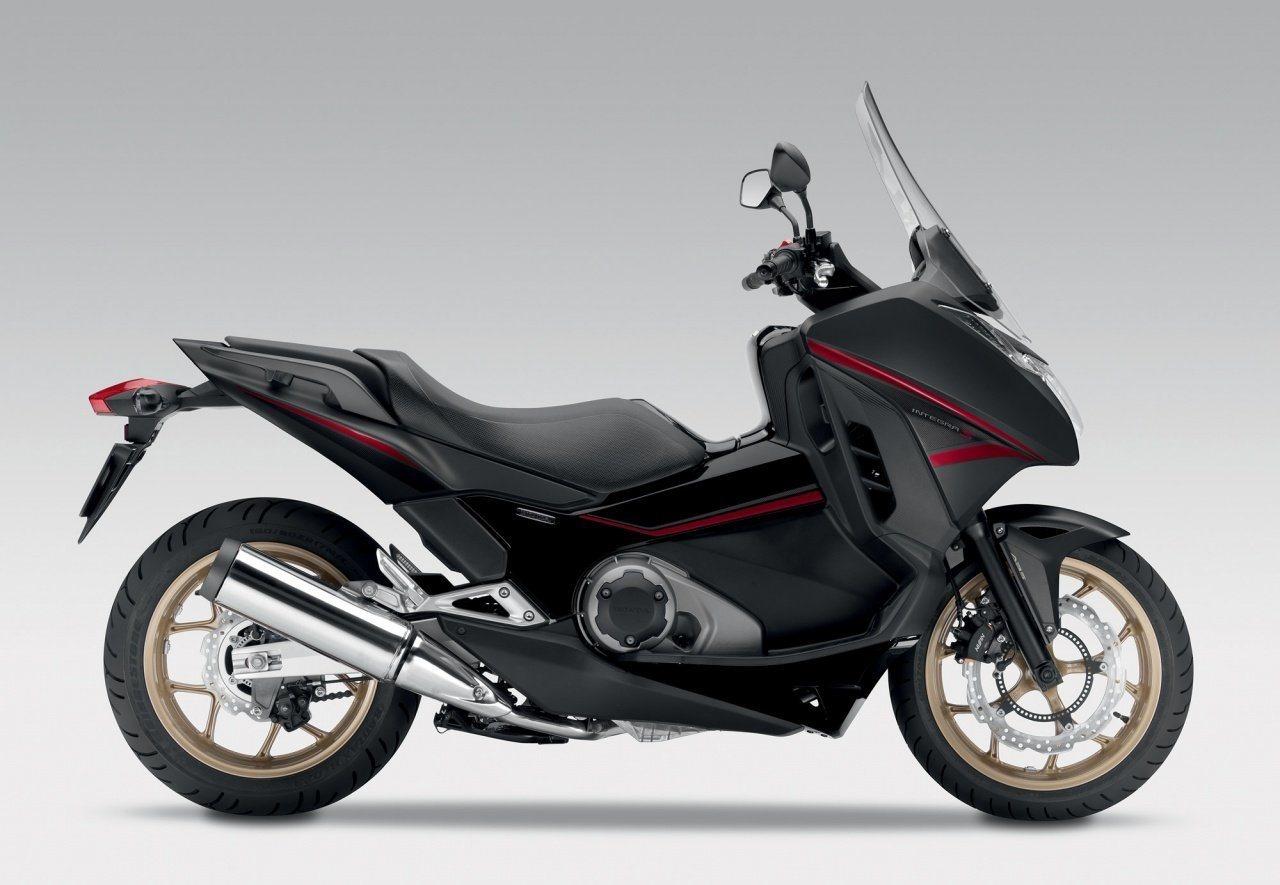 moto honda integra 750 ma moto. Black Bedroom Furniture Sets. Home Design Ideas