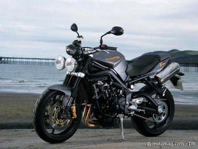 moto triumph street triple 675 ma moto. Black Bedroom Furniture Sets. Home Design Ideas