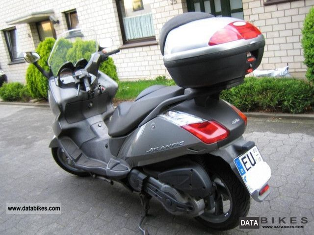 Moto Aprilia Atlantic 500