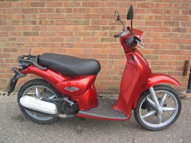Moto Aprilia Scarabeo 100