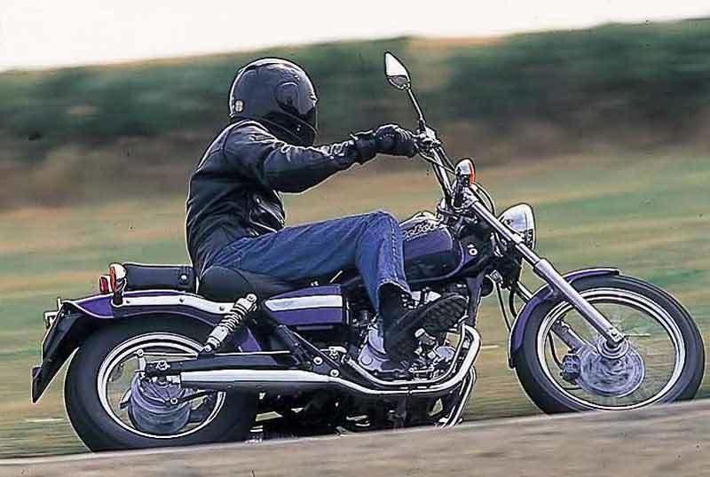 photographie moto honda ca 125 rebel