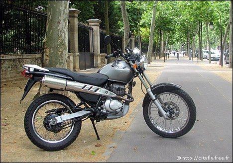modèle moto honda clr 125 cityfly