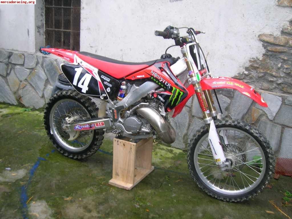 modèle moto honda cr 125