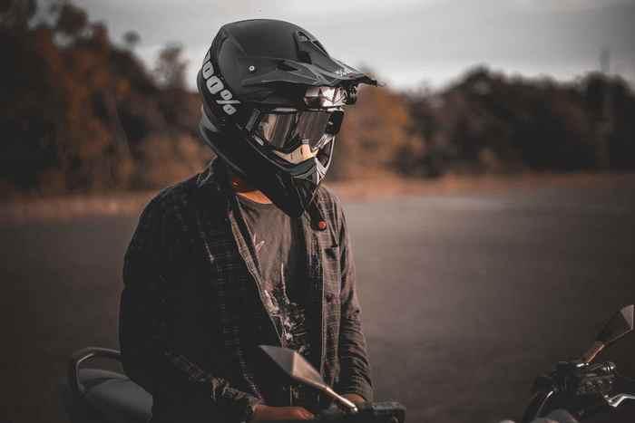 Blouson moto : quelle matière choisir ? cuir ou textile ?